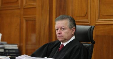 La SCJN desechó la propuesta del ministro Arturo Zaldívar de declarar inconstitucional el delito de aborto.